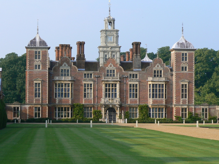 Blickling_Hall,_Norfolk_(535804370) (700x525, 215Kb)