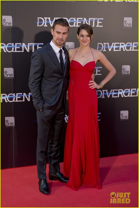 shailene-woodley-theo-james-divergent-madrid-premiere-03 (468x700, 65Kb)