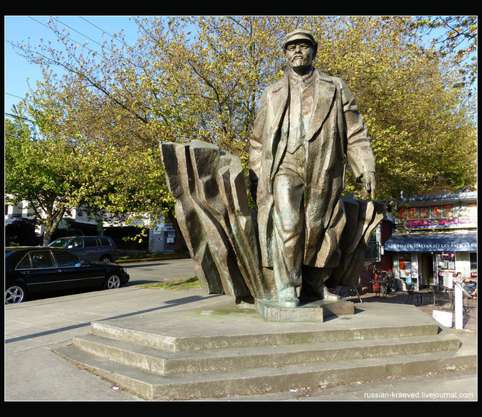 WA_Seattle_Statue-of-Lenin_2012-May_P1200162 (700x604, 326 KB)