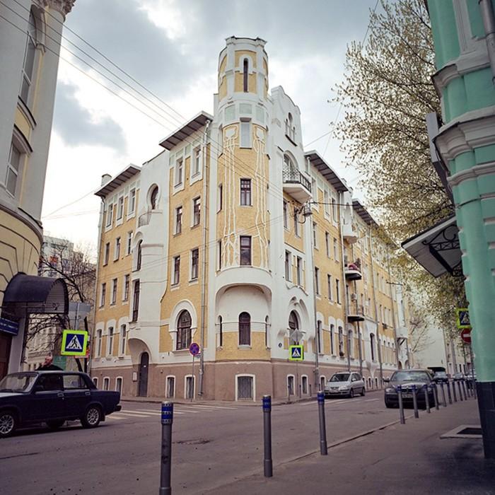 136418082 072117 0806 6 Красивая архитектура Москвы: 20 самых красивых зданий