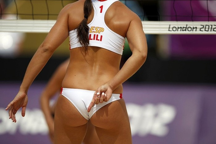 Прекрасный женский пляжный волейбол (фотографии)