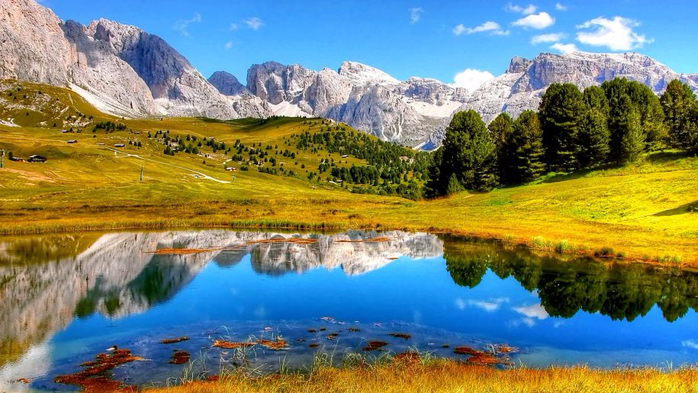Dolomites-mountainous-landscape-in-northeastern-Italy-Southern-limestone-Alpes-Mountains-Lake-landscape-Nature-3840x2400-915x515 (700x393, 397Kb)