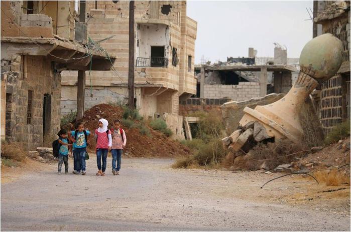 Как сирийские дети ходят в школу