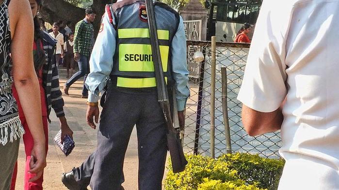 Туристическая полиция в Паттадакале/3673959_12 (700x393, 64Kb)