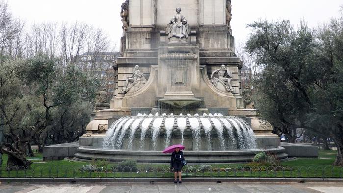 065 Памятник Сервантесу (700x393, 302Kb)