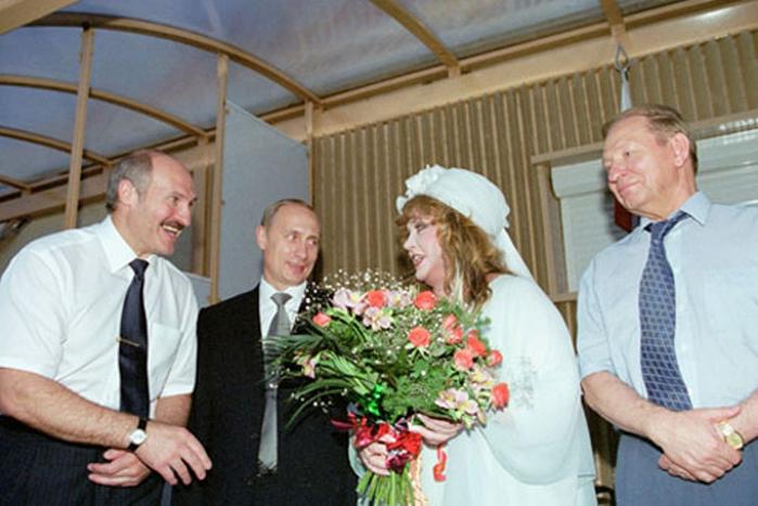 Vladimir_Putin_25_July_2001-6 (700x467, 314Kb)