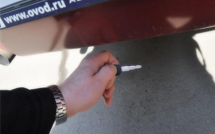 141654146 041618 2052 3 Как попасть в свою машину без ключей: 5 действенных советов