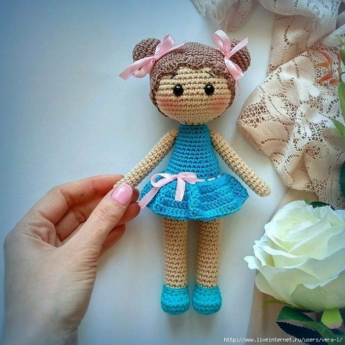 Вязаная куколка Хлоя