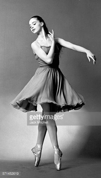 22e573d04fd8c47ad5c2cad6b0ca40e8--vintage-dance-vintage-ballet (338x594, 25Kb)