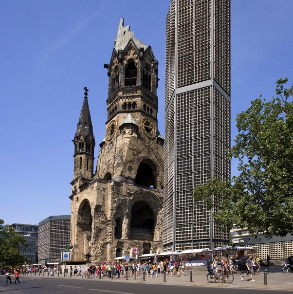ID8740_BE_OT_Charlottenburg_Kaiser-Wilhelm-Gedächtniskirche_Roland_Rossner__0003390-1.jpg__40 (902x904, 275Kb)