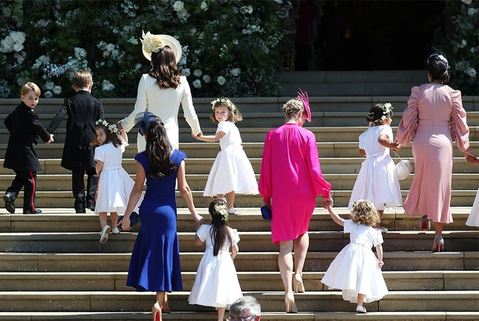 Принц Гарри женился на разведенной актрисе мулатке назло всем