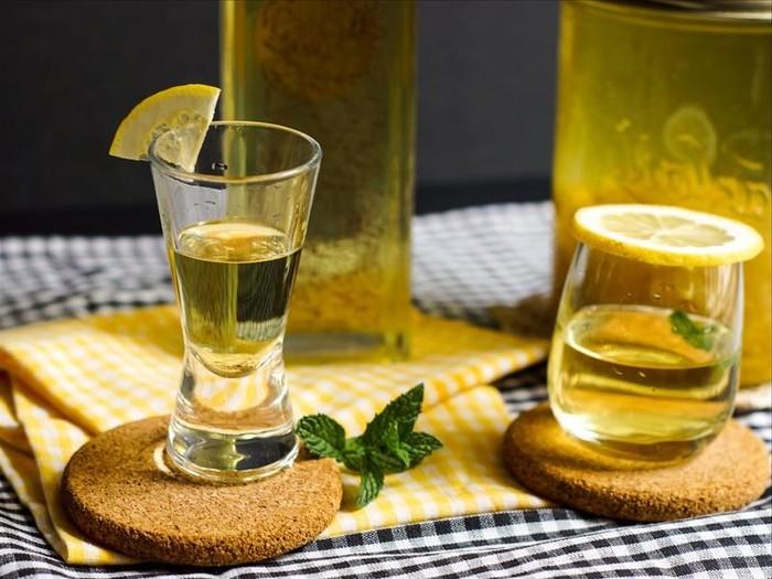 Anisovaja-vodka-recept-prigotovlenija-v-domashnih-uslovijahанисовая456311 (700x525, 92Kb)