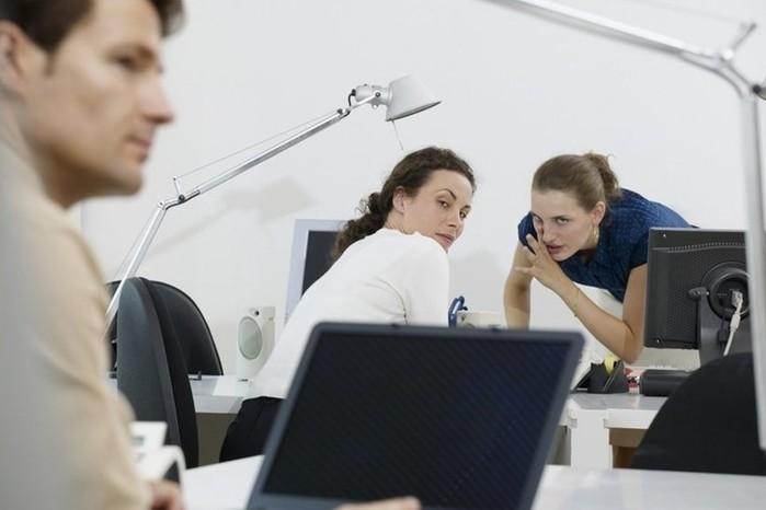 Как себя вести в новом коллективе: основные правила поведения