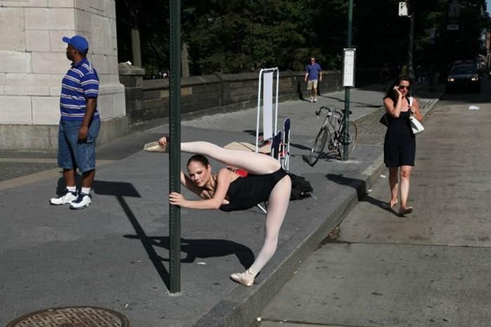 142335480 060818 1311 10 Гениальные фотографии талантливых уличных фотографов