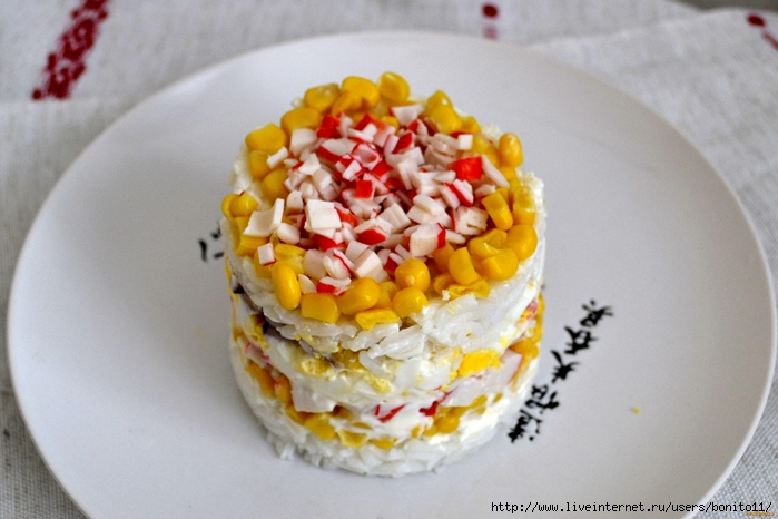 salat-iz-krabovix-palochek-i-kukuruzi (700x466, 235Kb)