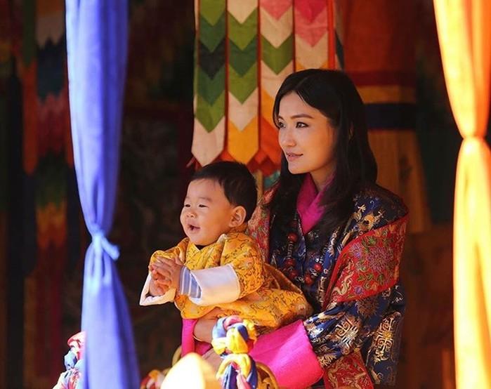 142517494 062218 0559 12 Кейт Миддлтон из Бутана: жизнь самой молодой королевы в мире