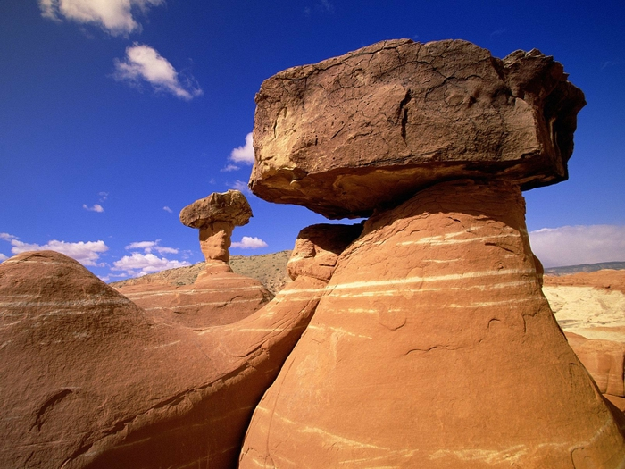 124736192_clouds_landscapes_nature_desert_rocks_rock_formations_1600x1200_wallpaper_wwwwallmaycom_48 (700x525, 298Kb)