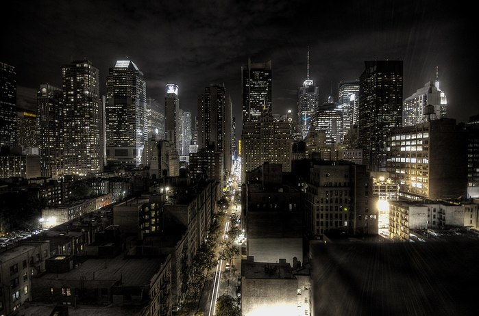 5229398_1280pxNew_York_City_at_night_HDR_1_ (700x462, 83Kb)