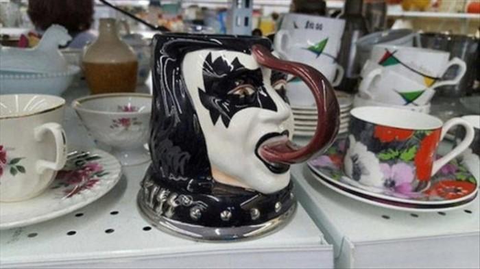 Самые странные товары, найденные в магазинах секонд хенд