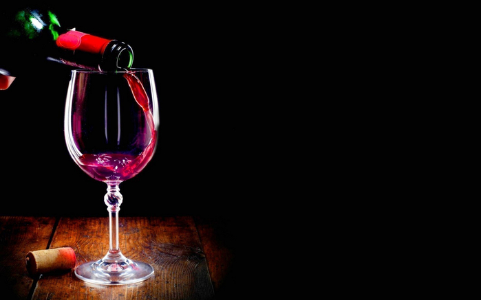 glass of red wine wide high definition wallpaper (700x437, 117Kb)