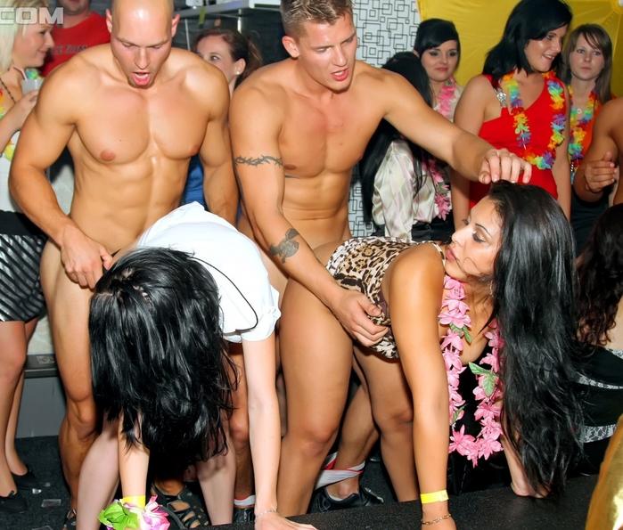 Карина свингер видео в ночных клубах