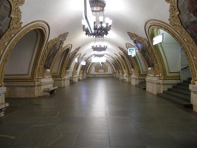 3279085_Samie_krasivie_stancii_metro (653x490, 148Kb)