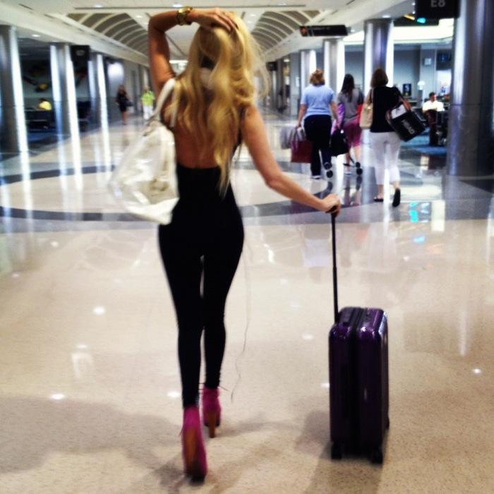 airport-jenna-jameson-suitcase-travel-Favim.com-534860 (700x700, 114Kb)