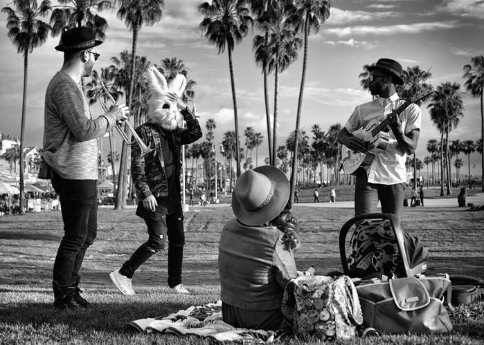 143707390 091418 1040 27 В Лос Анджелесе есть «Венеция»: фотографии безудержного веселья