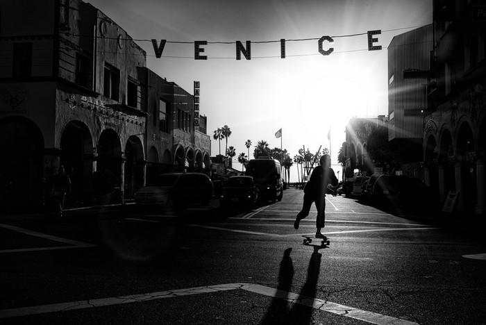 143707430 091418 1040 66 В Лос Анджелесе есть «Венеция»: фотографии безудержного веселья