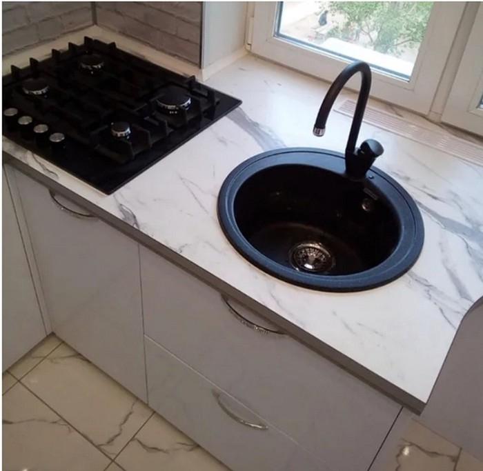 143764916 091718 1231 4 Как с комфортом обустроить маленькую кухню в «хрущевке»