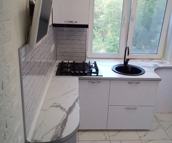 143764922 091718 1231 7 Как с комфортом обустроить маленькую кухню в «хрущевке»
