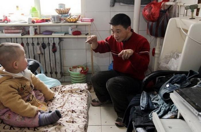 143801218 091818 1702 7 Пара молодоженов из Шэньяна вынуждены жить в туалете отеля