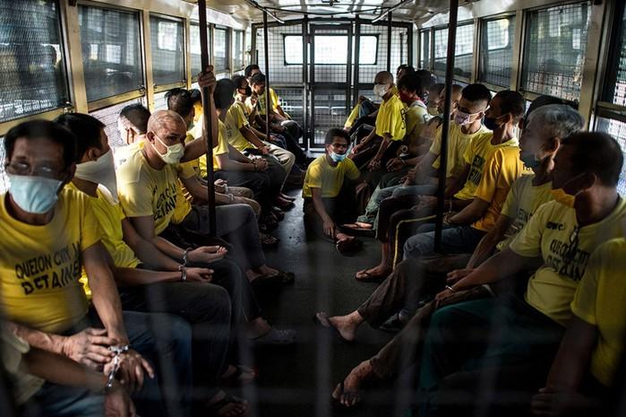 Шокирующие фотографии из тюрьмы на Филиппинах