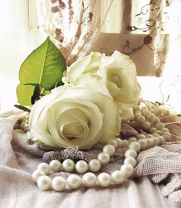 Картинки розы с жемчугом, пожеланиями машинами для