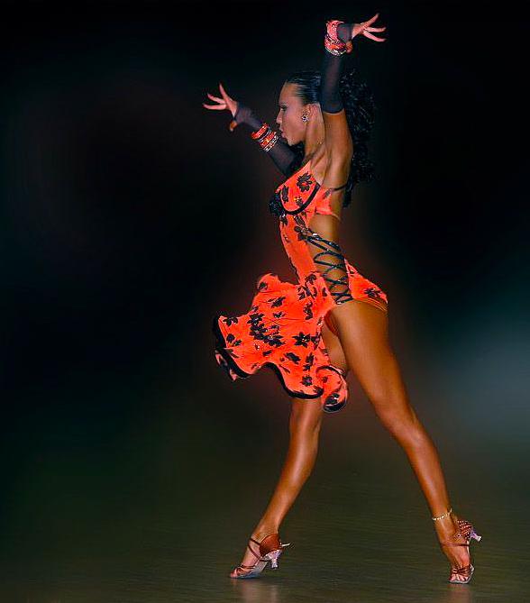 фото танцовщиц бальных танцев ручной