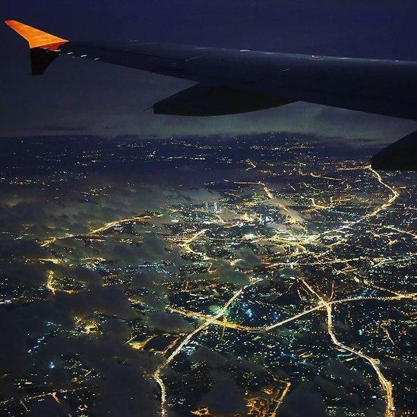 под фото с самолета ночной беларусь делим все невзгоды