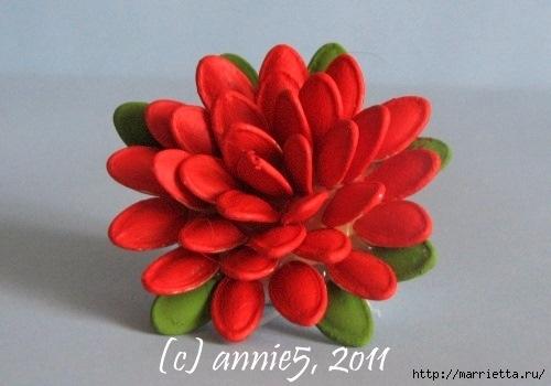 Цветы из шишек, семечек, листьев кукурузы, фисташек и макарон (16) (500x350, 95Kb)