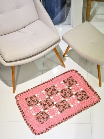 Крючком. Розовый коврик из мотивов (1) (332x442, 130Kb)