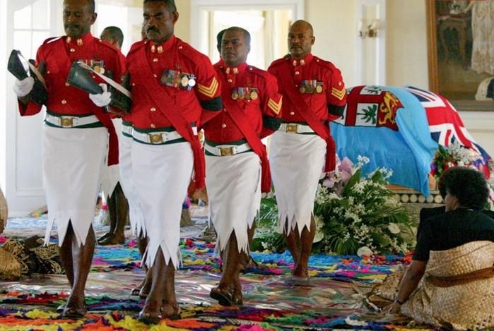 134413844 031517 1427 uniform3 Необычная военная форма разных стран