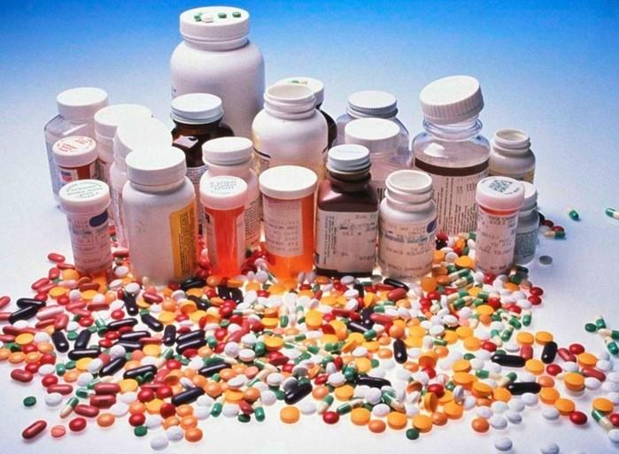 Можно ли принимать лекарства после истечения срока годности?