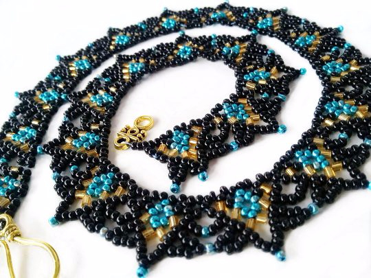 free-beaded-necklace-tutorial-beading-pattern-1-540x405 (540x405, 258Kb)