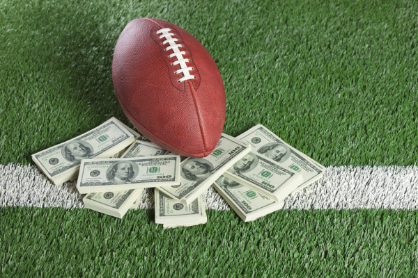 nfl-money-e1455289902253 (600x400, 125Kb)