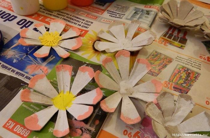 Цветы из картонных яичных лотков (8) (700x460, 292Kb)