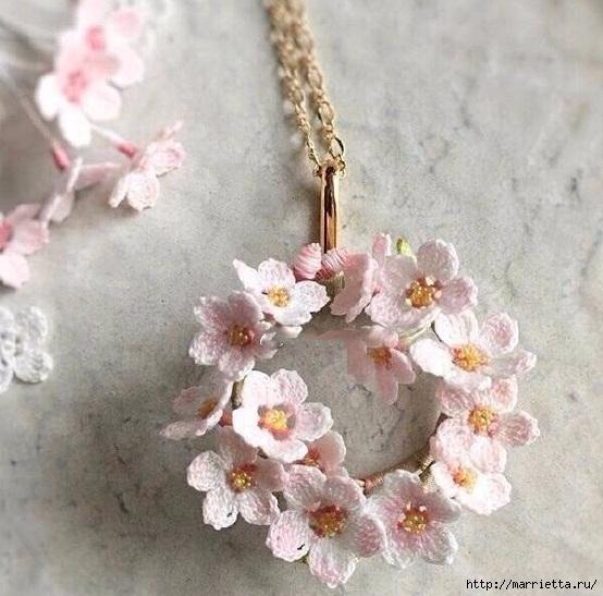 Вязаные украшения handmade. Веточка цветущего абрикоса (5) (554x547, 191Kb)