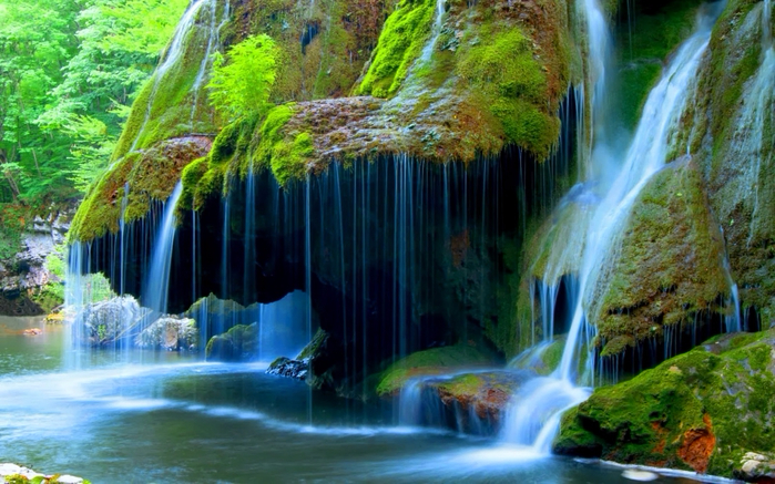 127462671_Beautifulwaterfall2560x1600 (699x437, 444Kb)