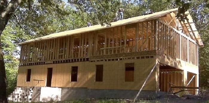 139444666 010518 2034 5 Многодетная мать сама построила дом, посмотрев обучающее видео