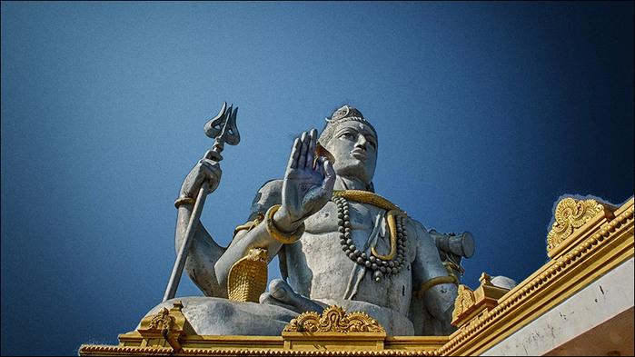 Гигантская статуя Шивы в Мурудешваре. Индия/3673959_3 (700x393, 102Kb)