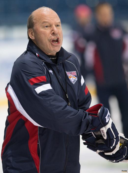 Фото хоккейного тренера