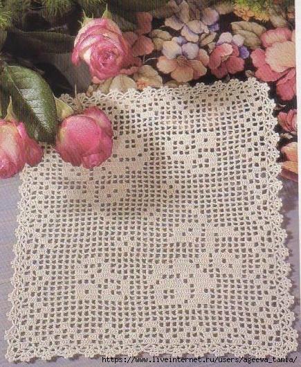 Салфетка с цветами крючком. Филейное вязание