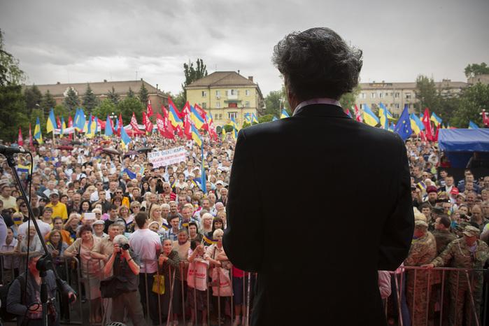 Bernard-Henri-Lévy-Ukraine-mai-2014 (700x466, 151Kb)